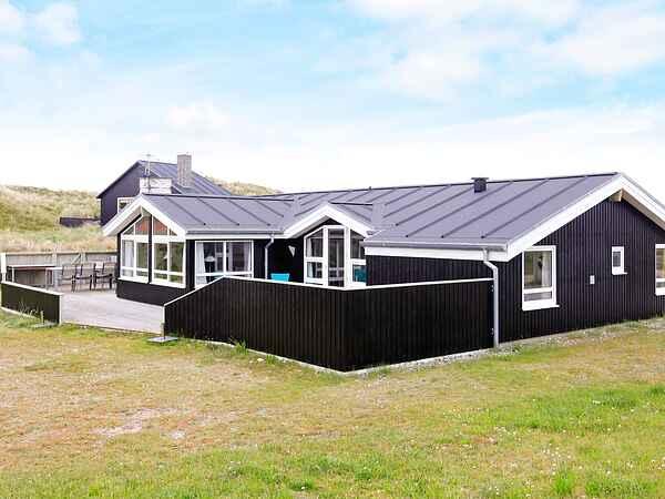 Sommerhus ved Bjerregård Strand