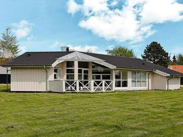 Holiday home in Udsholt Strand