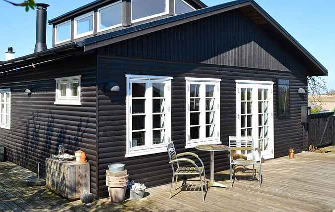 Holiday home mh66080