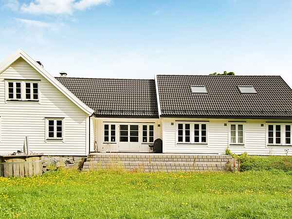 Holiday home in Askvoll Municipality