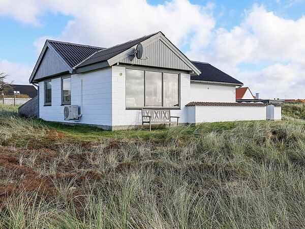 Sommerhus ved Vorupør Strand