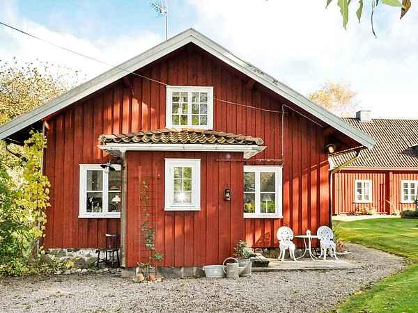 Holiday home in Vänersborg Ö