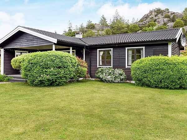 Sommerhus ved Bovallstrand