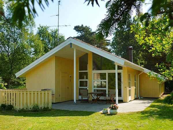 Ferienhaus in Boetoe