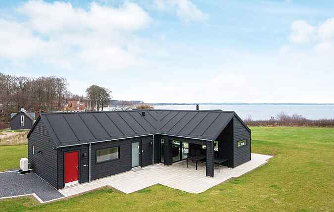 Holiday home mh48084