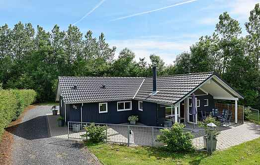 Holiday home mh17024