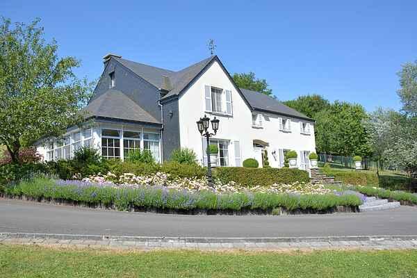 Villa i Bouillon