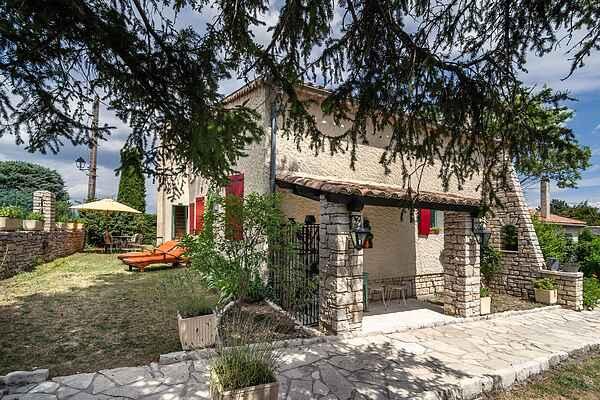 Villa i Montjustin