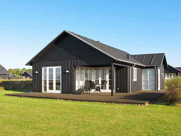 Sommerhus ved Nysted Strand