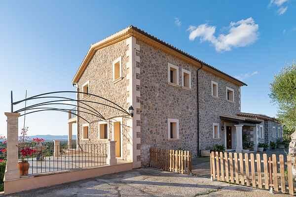 Manor house in Sant Jordi