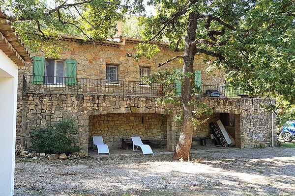 Villa i Châteaudouble