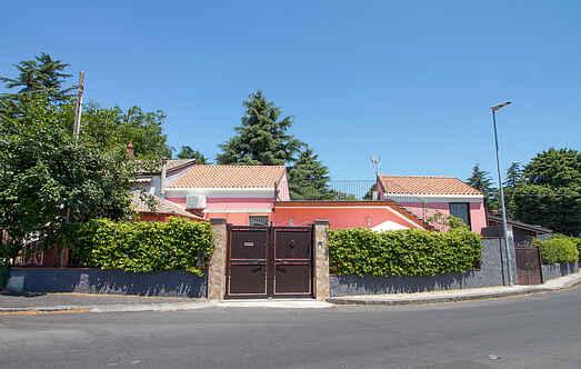 Cottage mh71885