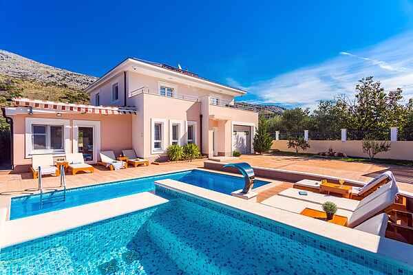 Villa in Srinjine
