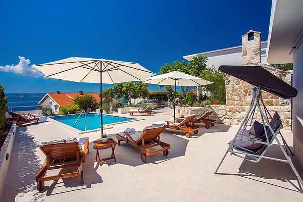 Villa Dasianda -90 m from the beach, private heated pool