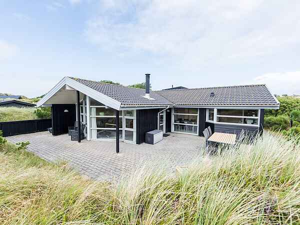 Sommerhus ved Henne Strand