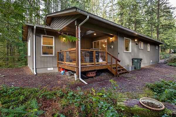 Mt. Baker Lodging Cabin #30 - Sleeps 8!