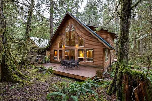 Mt. Baker Lodging Cabin #40 - Sleeps 8!