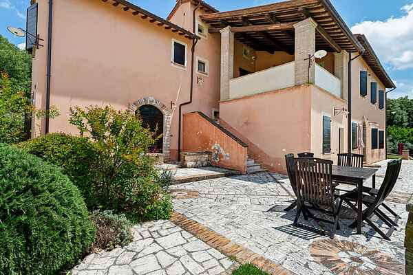 Farm house in Narni