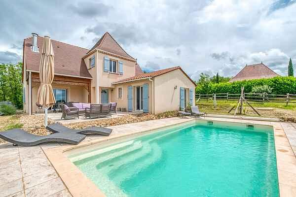 Villa in Sainte-Foy-de-Longas