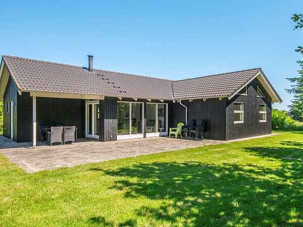 Sommerhus ved Fjellerup Strand