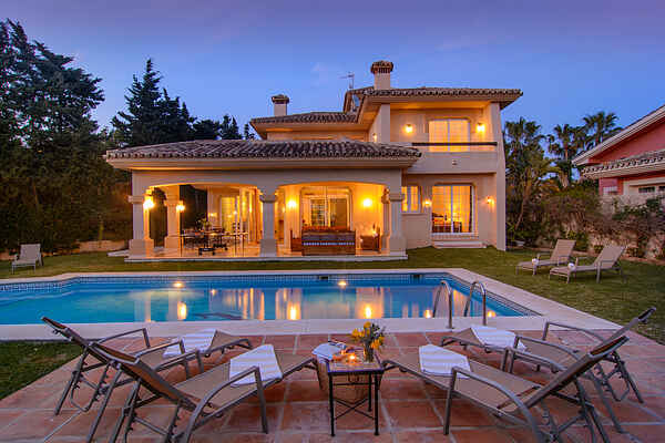 Las Chapas south oriented beachfront villa w/ heated pool