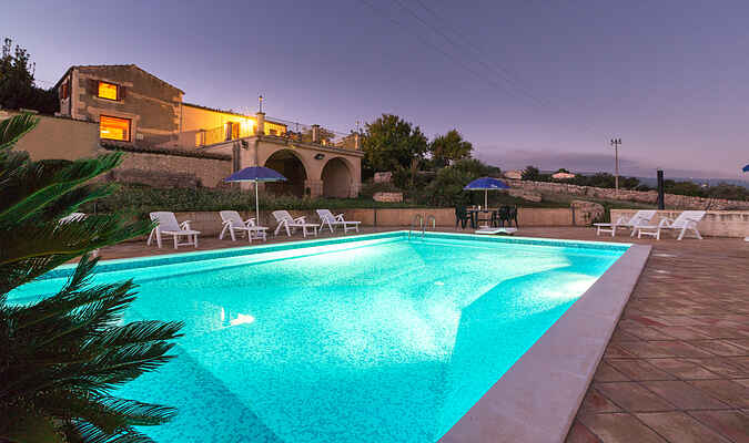 Diana, villa with swimming pool and panoramic terrace