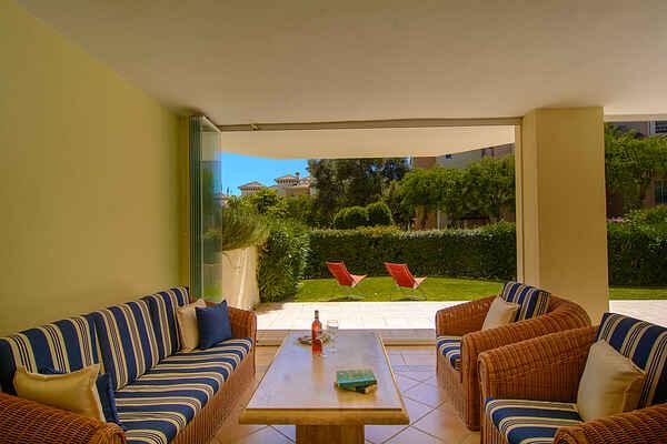 Hacienda Playa lejlighed ved stranden stor terrasse