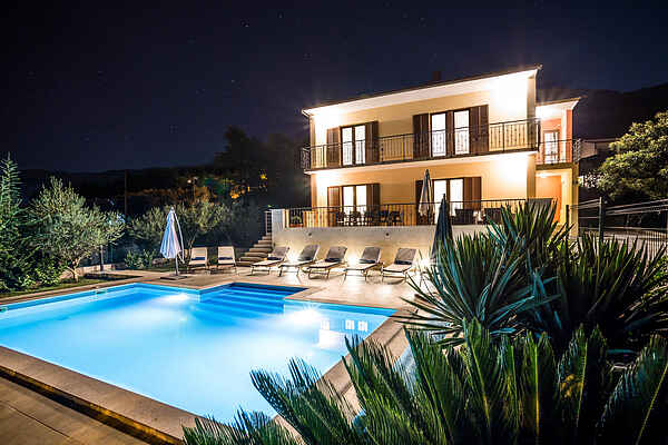 Split villa Dalmatica for 12
