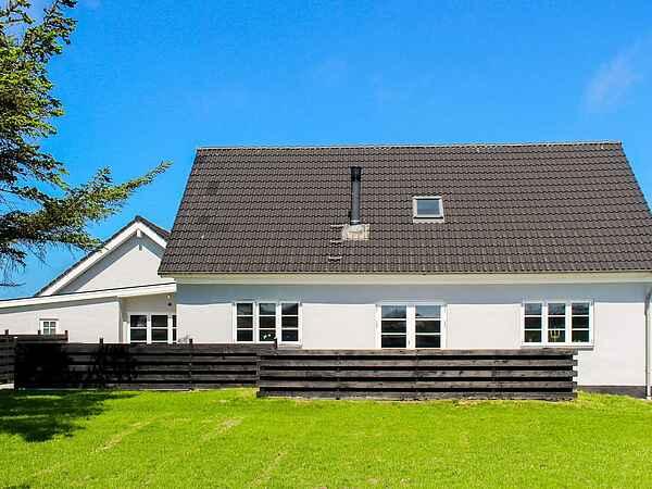 Sommerhus ved Nr Lyngby Strand