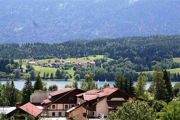 Apartment on Lake Presseggersee