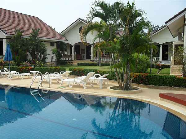 Luxury familyhouse 7 - 9 beds close to beach