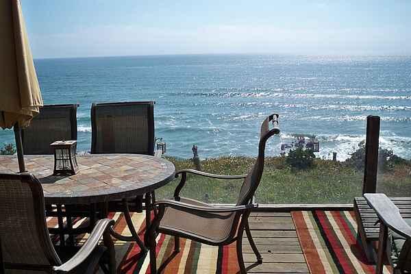 Great Oceanfront Beach House, 866