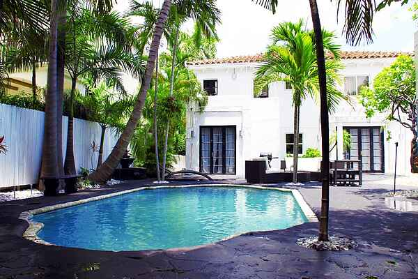 3 room South Beach Art Deco Pool Villa