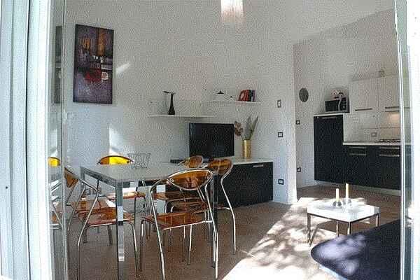 Lovely apartment with balcony near the beach