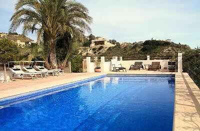 Family Friendly, Pool ,Near Alcante Airport 20 km