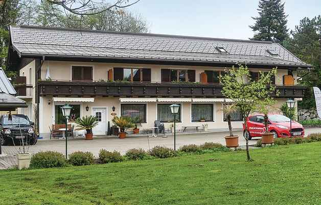 Apartment in Schiefling am See