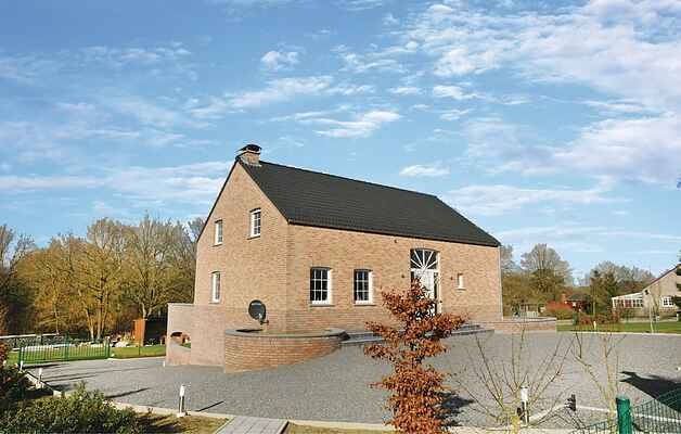 Holiday home in Somme-Leuze
