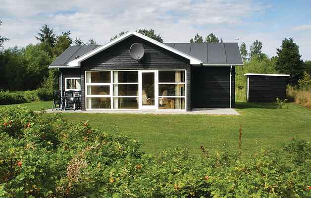 Holiday home in Holmmark Strand