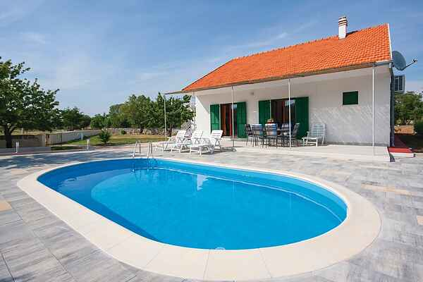 Holiday home in Lozovac