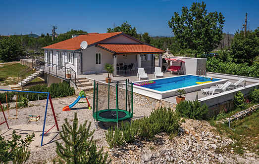 Holiday home nscdt975
