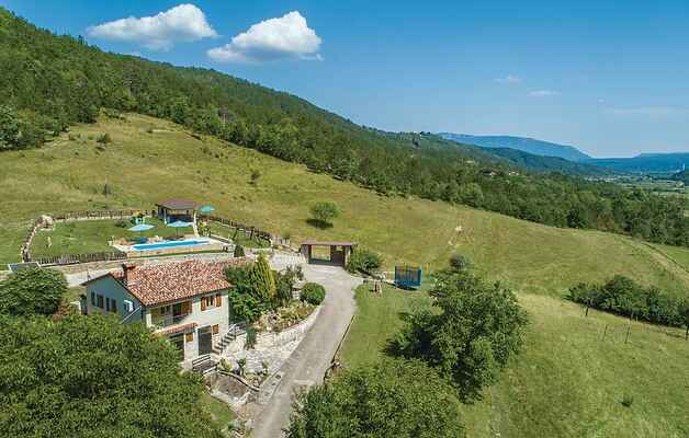 Holiday home in Pićan