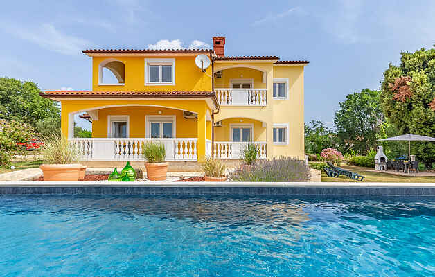Holiday home in Pula