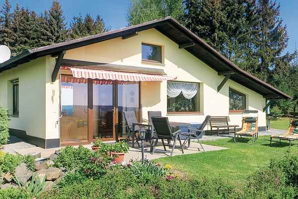 Holiday home in Mehltheuer