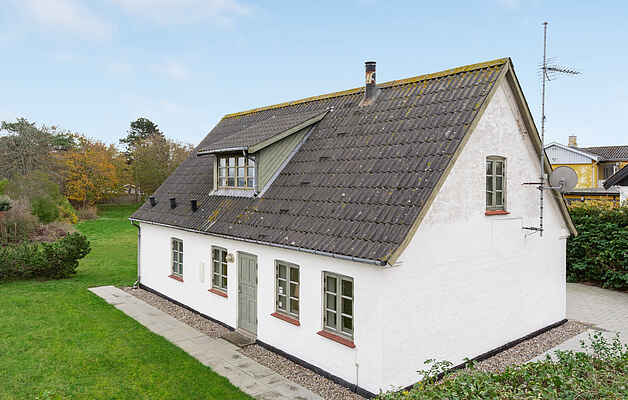 Holiday home in Dronningmølle Strand