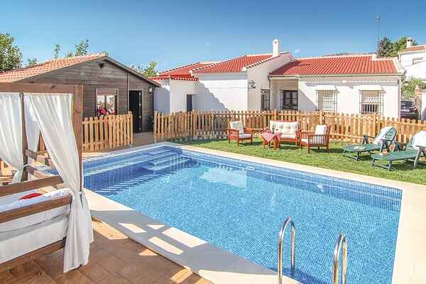 Holiday home in Yunquera