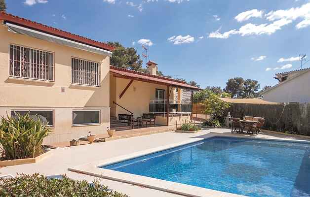 Holiday home in Les Roquetes