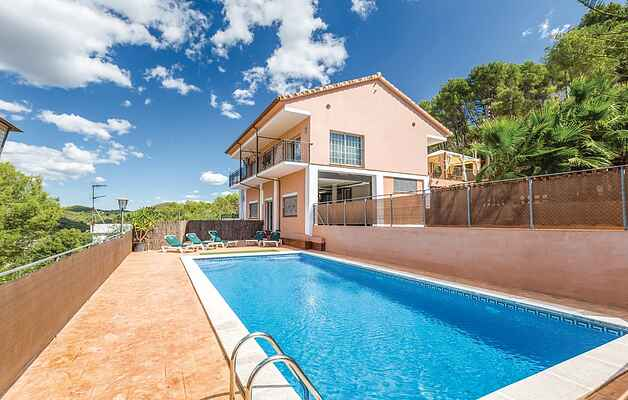 Holiday home in Canyelles