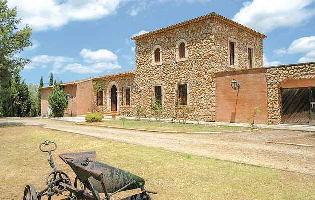 Brand new finca standing alone in rural, quiet and idyllic setting
