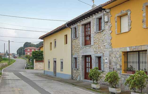 Holiday home in Llanes