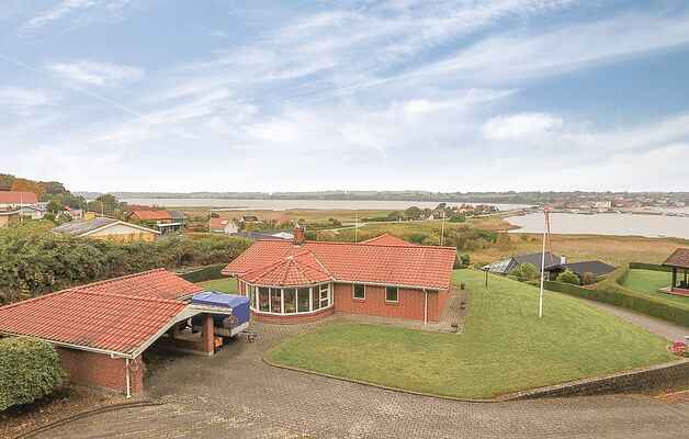 Holiday home in Anslet Strand